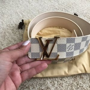 Louis Vuitton LV INITIALES 40 mm belt gold